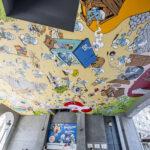 Fresque Schtroumpf près de la Gare Centrale Smurfenmuur in de buurt van het Centraal Station Carrefour de l'Europe - Europakruispunt © Peyo - Lic. IMPS (Brussels) - www.smurf.com - picture visit.brussels - Eric Danhier - 2018